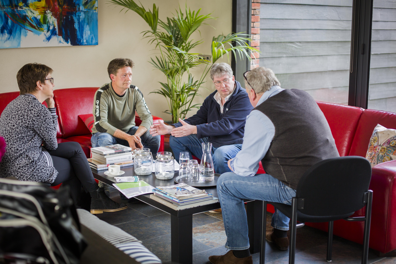 Wilfred Markvoort en Erik Stegink in gesprek over de Pignick: hokverrijking met kunstgras